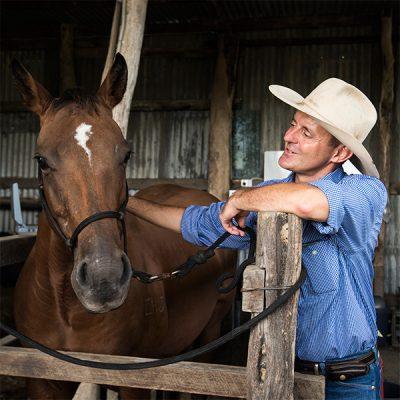 Horse breeding - Dr Bruce Howlett of Stabler and Howlett Mackay
